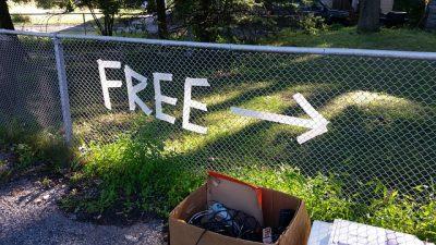 Free, Sign