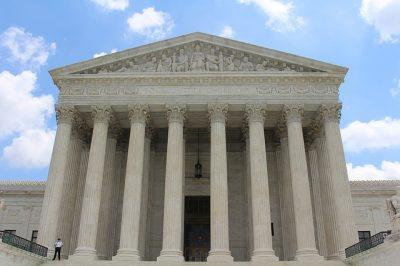 Court, Pillars