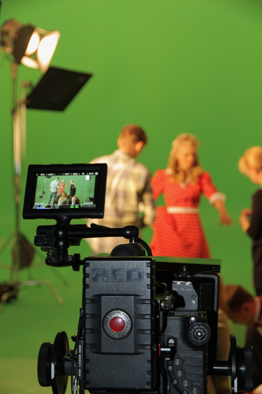 Ten Sure-Fire Themes to Effectively Use in Your Sitcom Spec Script By Peter J. Fogel