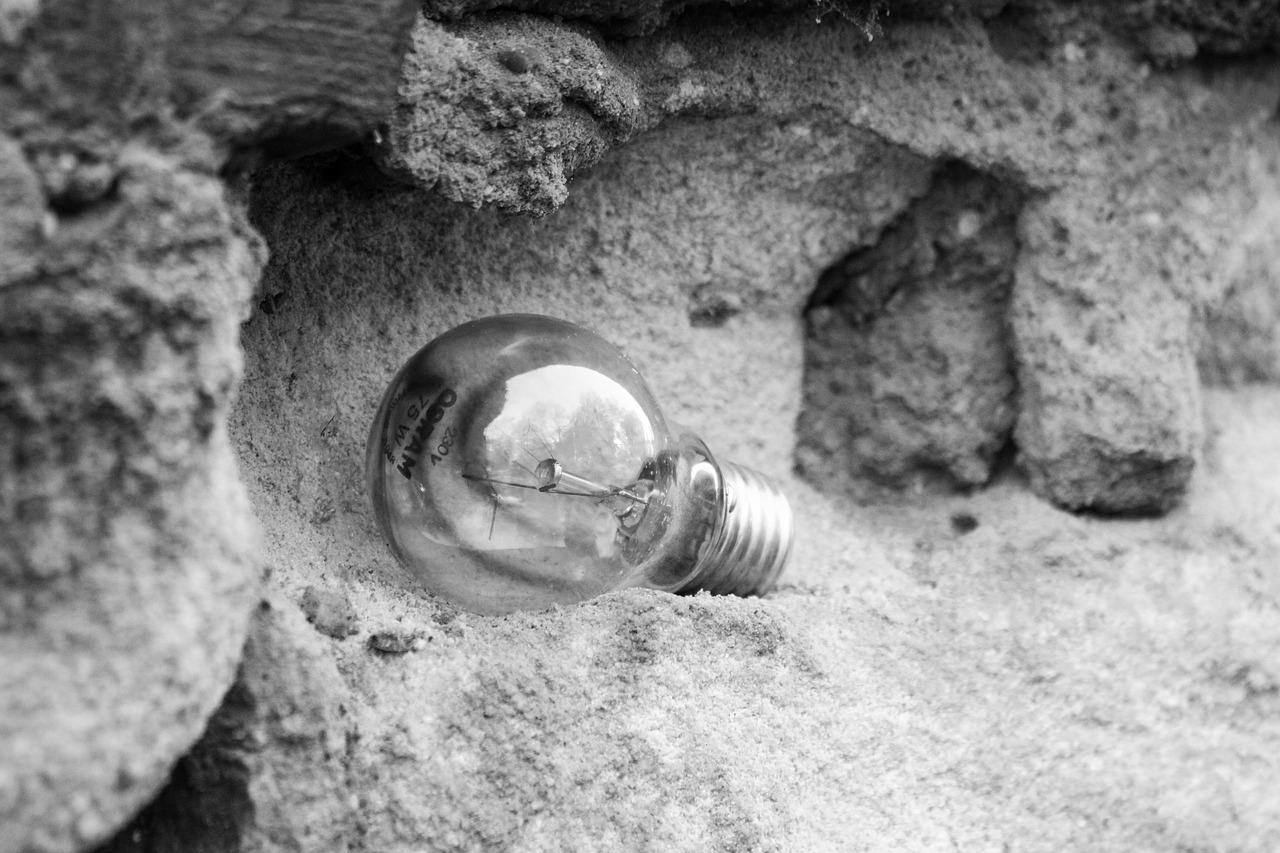 Broken, Lightbulb