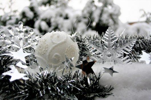 The Holidays = Article Ideas in Abundance! By Angela Hoy